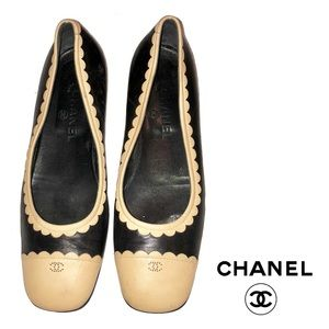Chanel Tan & Black Leather Shoes (authentic)
